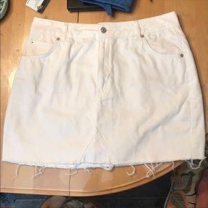 Topshop MOTO white denim skirt size 10